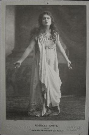 Roselle Knott